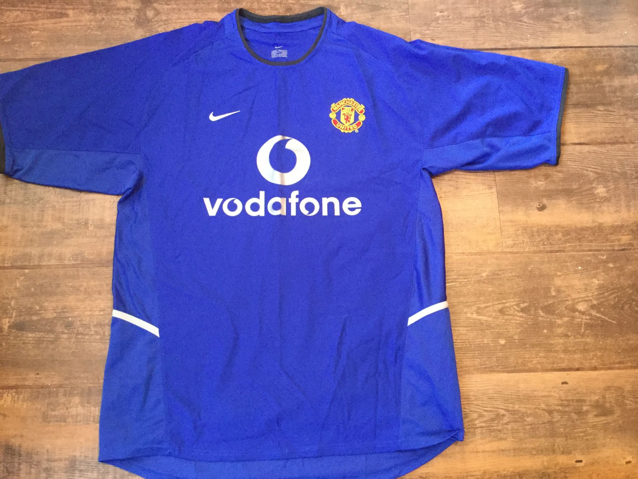 online retailer df115 b3c78 Global Classic Football Shirts | Manchester United 2002 ...